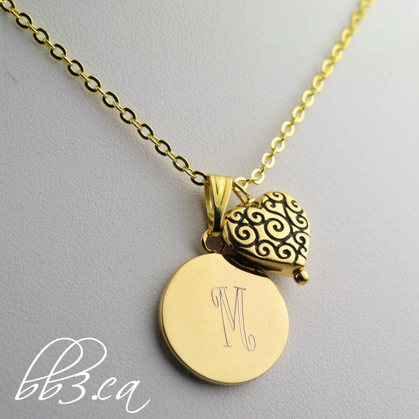 """Sweetheart"" keepsake necklace in gold"