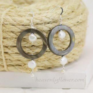 Tiny Bubbles Pearls & Shell Earrings