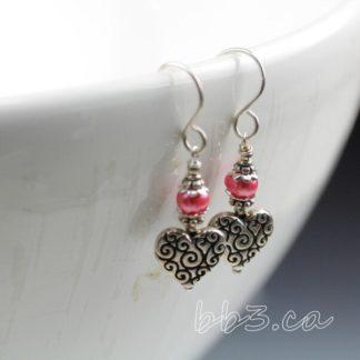 Sweetheart Earrings - Choose Pearl Color