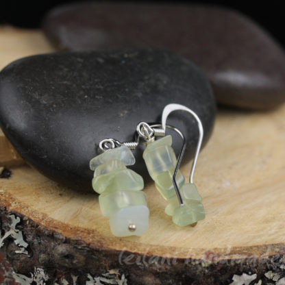 pale green serpentine chip earrings